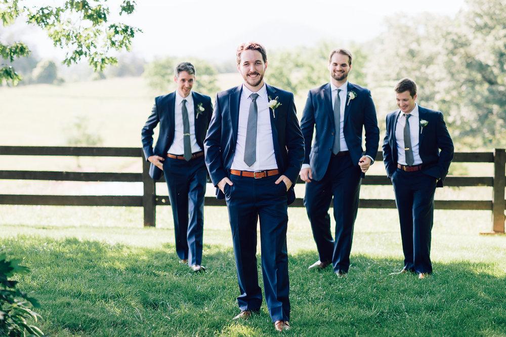 charlottesvillewedding_backyardwedding_virginia_youseephotography_CaitlinDerek (34).jpg