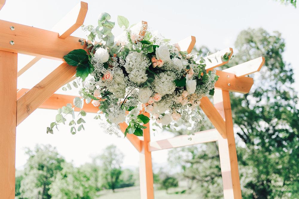 charlottesvillewedding_backyardwedding_virginia_youseephotography_CaitlinDerek (46).jpg