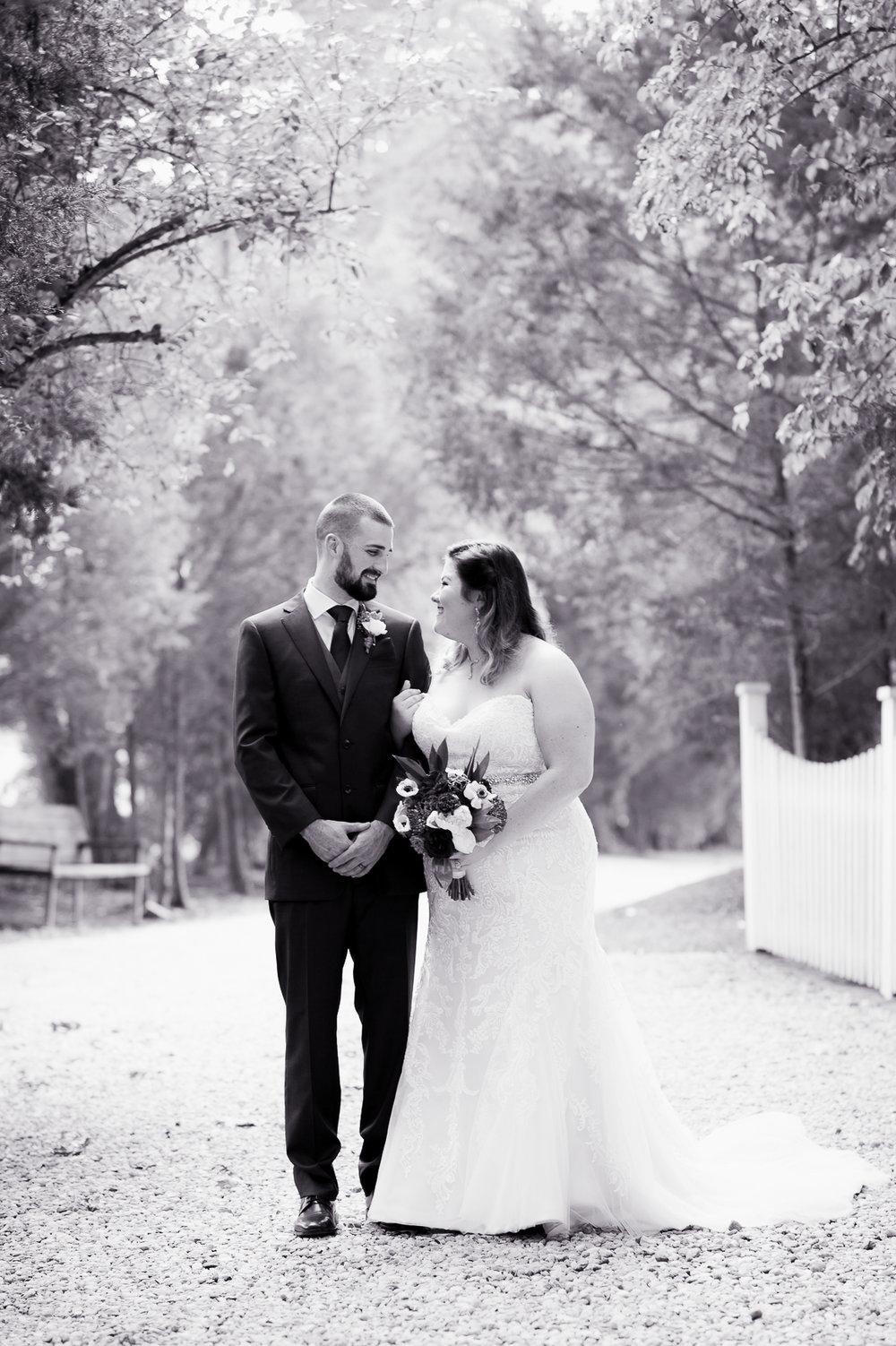 virginiawedding_GlenGarden_rusticwedding_fredericksburg_youseephotography_KellySteven (94).jpg