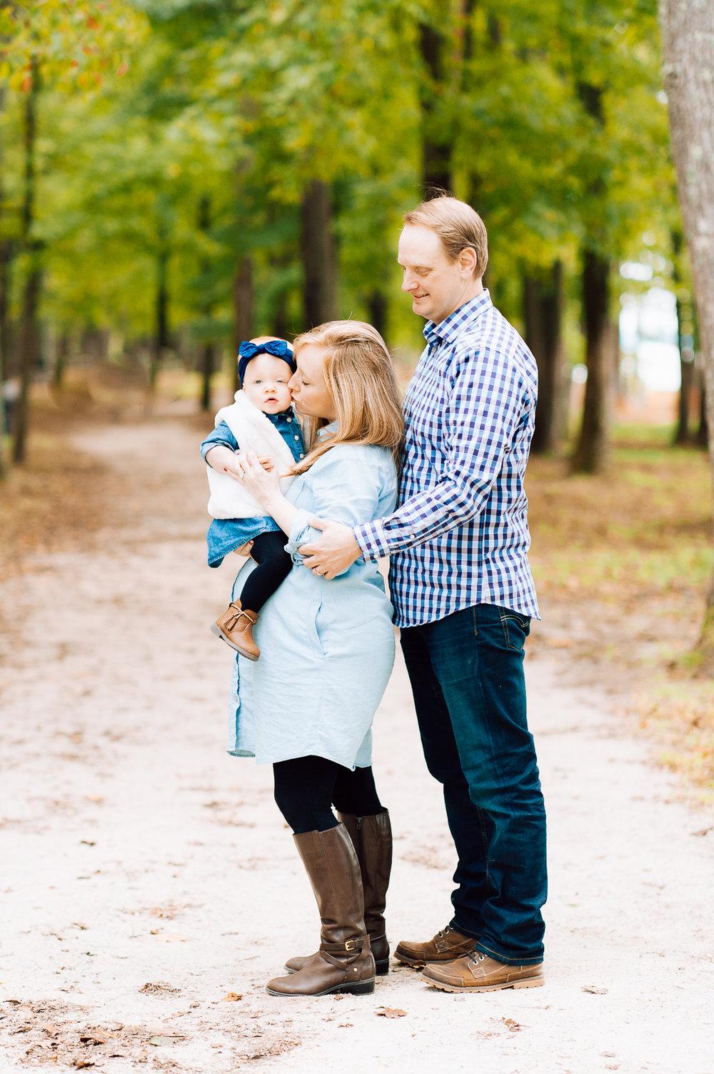 maternity_fallphotos_fredericksburgphotographer_leesylvania_youseephotography_Heather (7).jpg