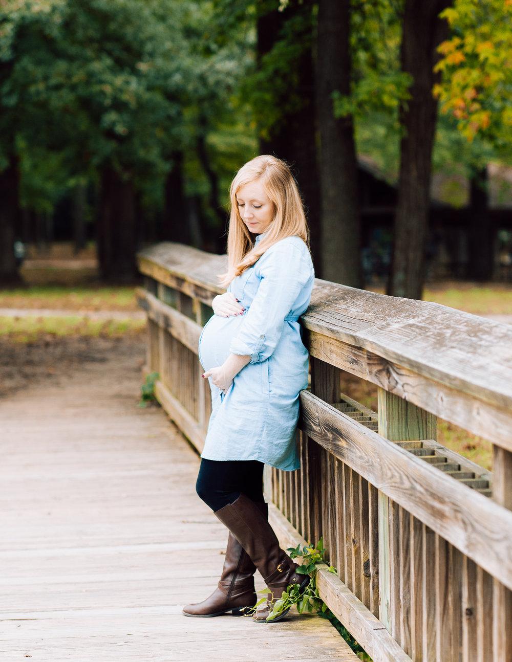 maternity_fallphotos_fredericksburgphotographer_leesylvania_youseephotography_Heather (13).jpg