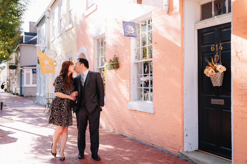 engagement_downtownfredericksburg_Fall_virginiaweddingphotographer_youseephotography_KatieKevin (12).jpg