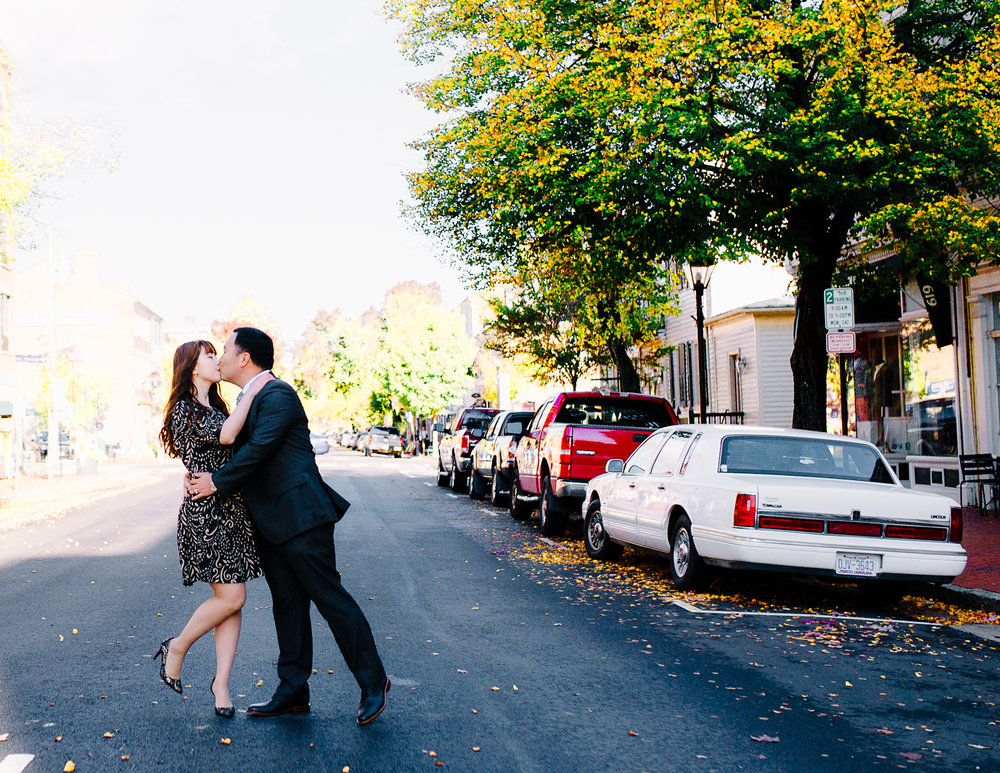 engagement_downtownfredericksburg_Fall_virginiaweddingphotographer_youseephotography_KatieKevin (14).jpg