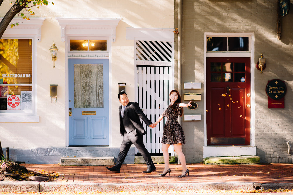 engagement_downtownfredericksburg_Fall_virginiaweddingphotographer_youseephotography_KatieKevin (17).jpg