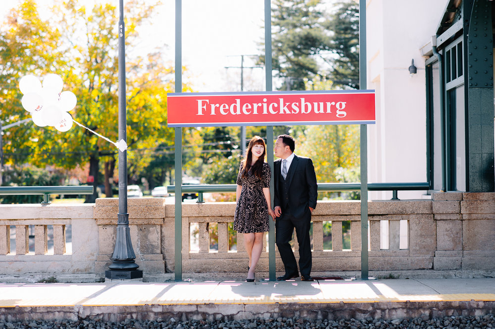 engagement_downtownfredericksburg_Fall_virginiaweddingphotographer_youseephotography_KatieKevin (27).jpg
