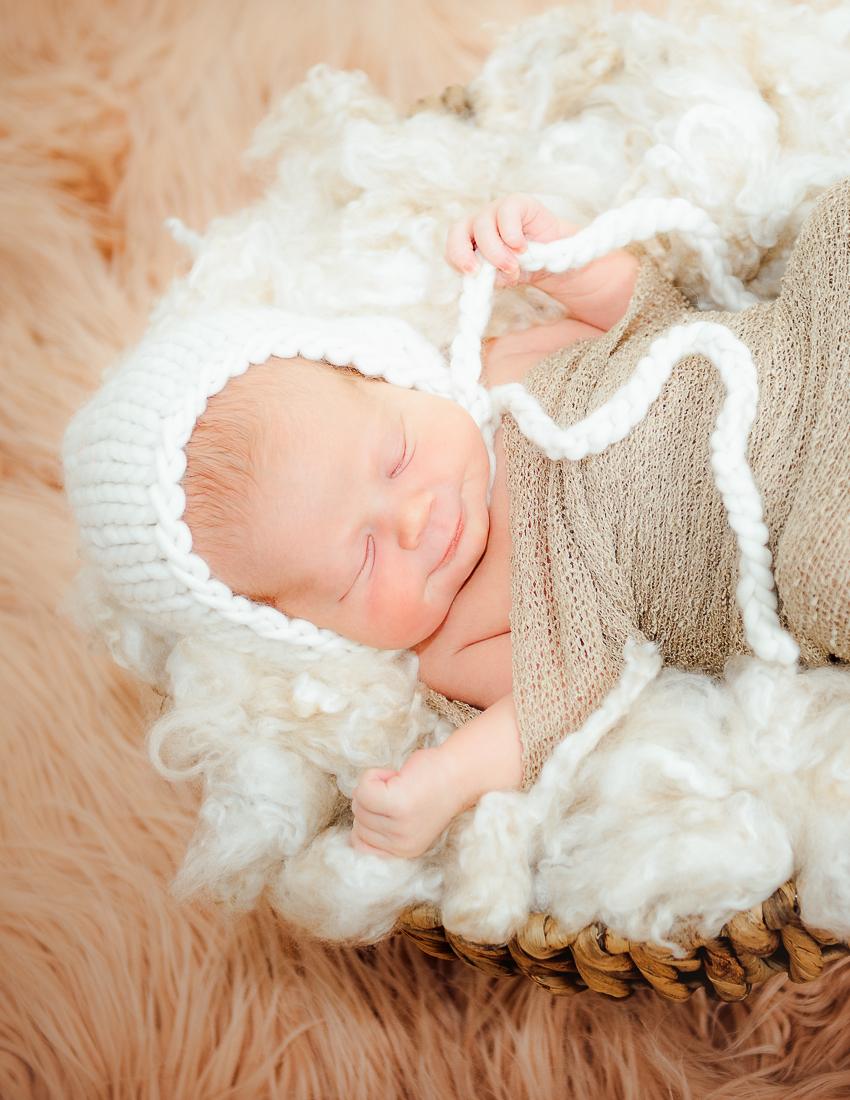 newborn_virginiaphotographer_fredericksburgnewborn_woodbridgenewborn_youseephotography_babyAudrey (18).JPG