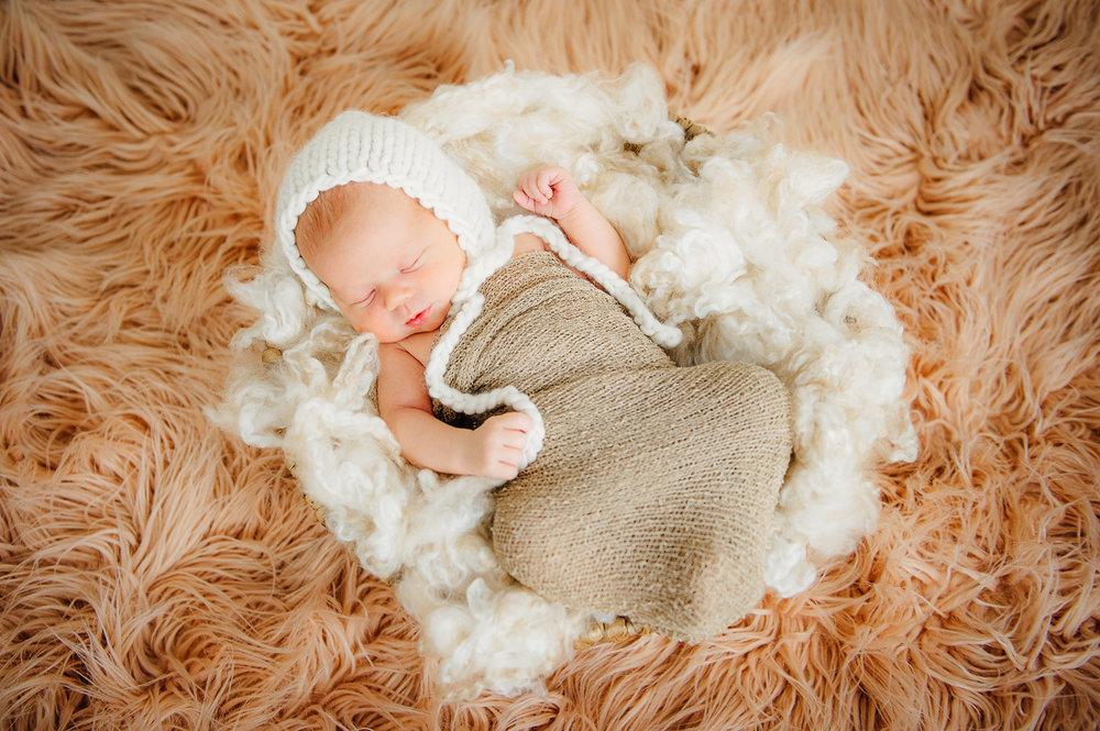 newborn_virginiaphotographer_fredericksburgnewborn_woodbridgenewborn_youseephotography_babyAudrey (21).JPG