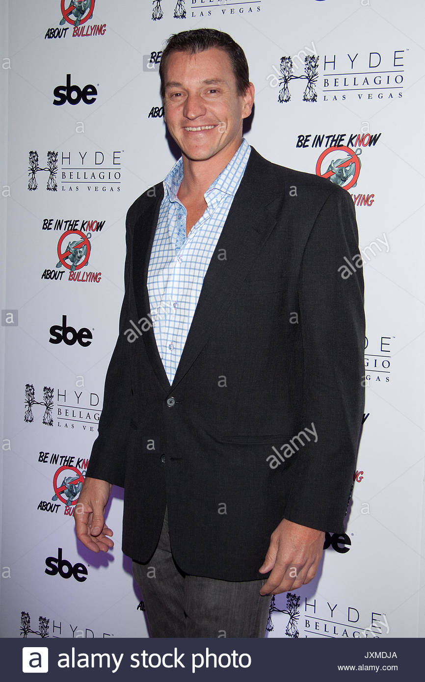 garrett-klugh-celebrity-arrivals-at-the-be-in-the-know-about-bullying-JXMDJA.jpg