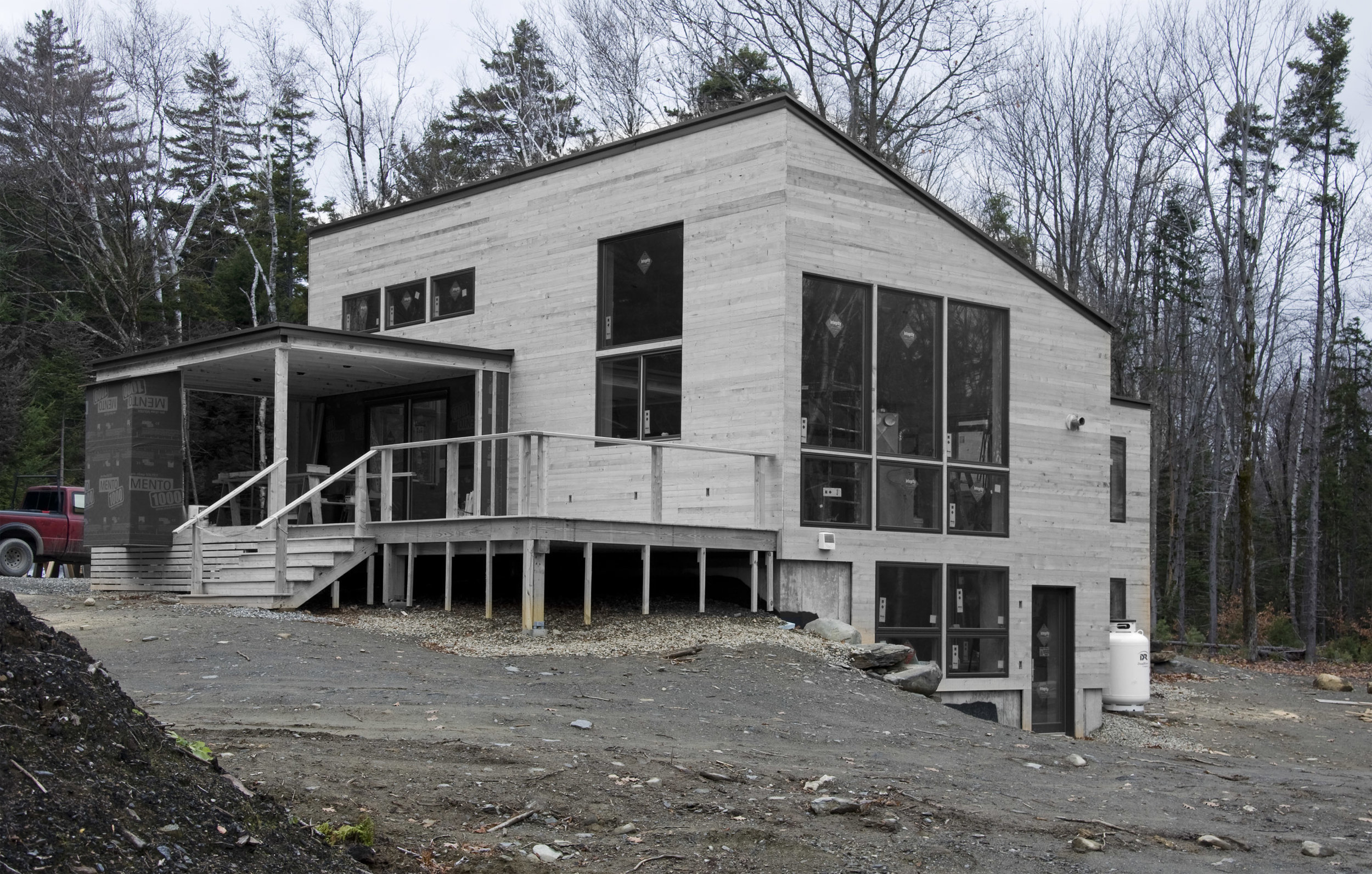 Vermont modern house by architect Robert Swinburne