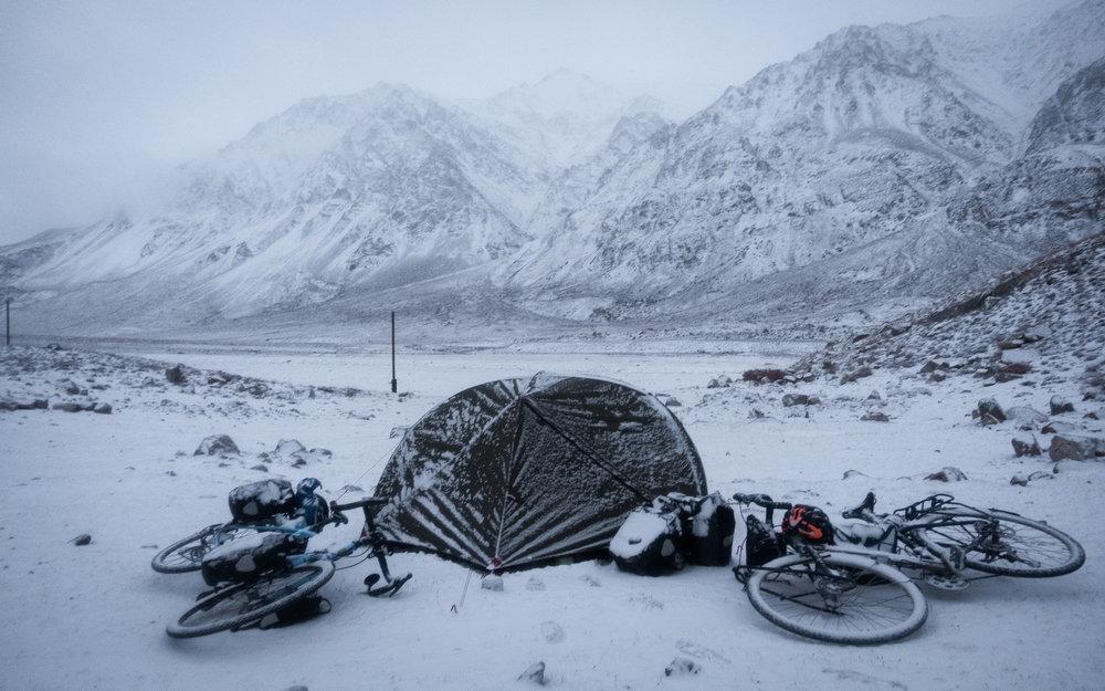 snow-camping-pamir-highway.jpg