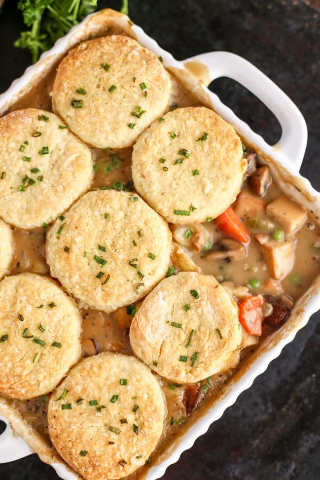 Hearty-Vegan-Biscuit-Pot-Pie-3980.jpg