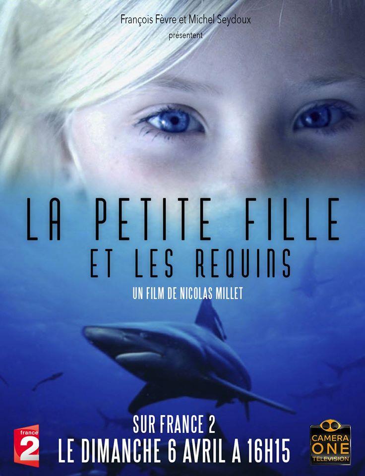 petite fille et les requins.jpg
