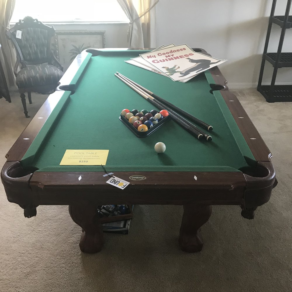 SPORTCRAFT POOL TABLE WITH ACCESSORIES
