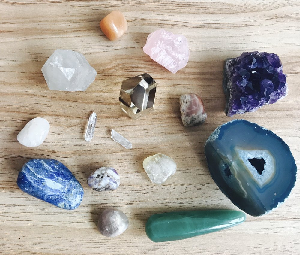 crystals 101 intro to crystal healing femmeviolet