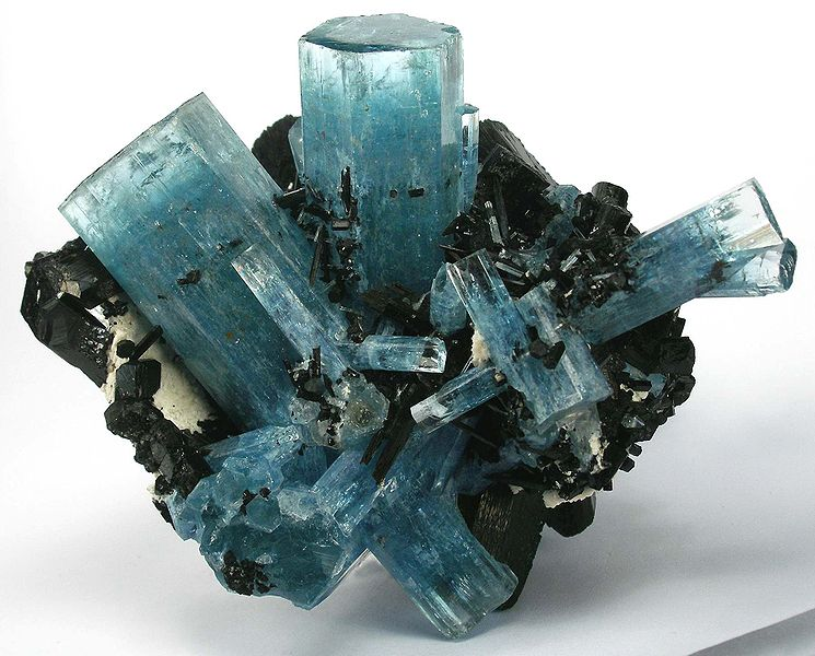 aquamarine-specimen-just-mined.jpg