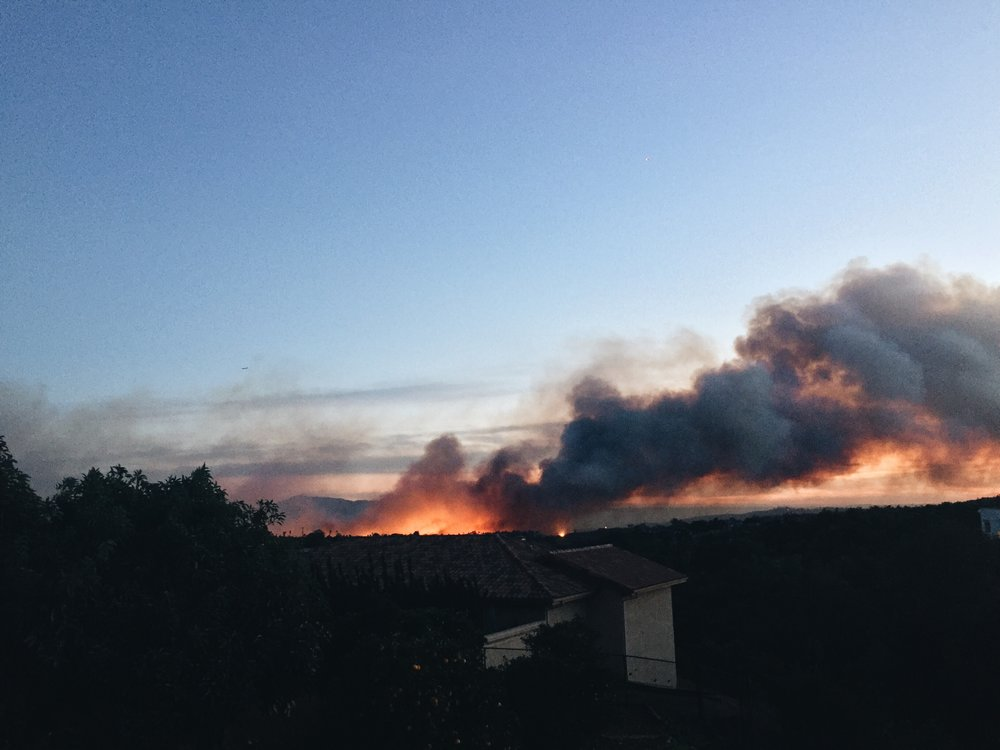 one of the fires got close to our house, but we never received a formal evacuation alert. sorry for the bad quality.. i took this on my phone.