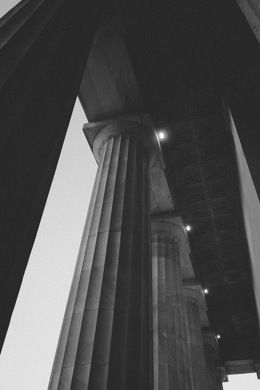 monumentsatmidnight3.jpg