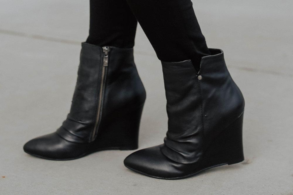shop my look: - similar bomber jacketjeanssimilar bootiessunnies