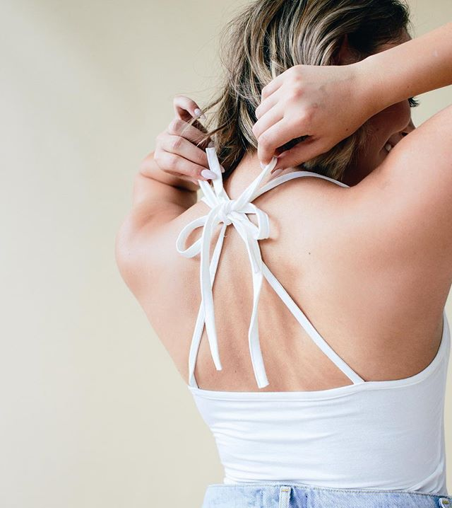 Tying the tie tank like this all summer long. @nudehues