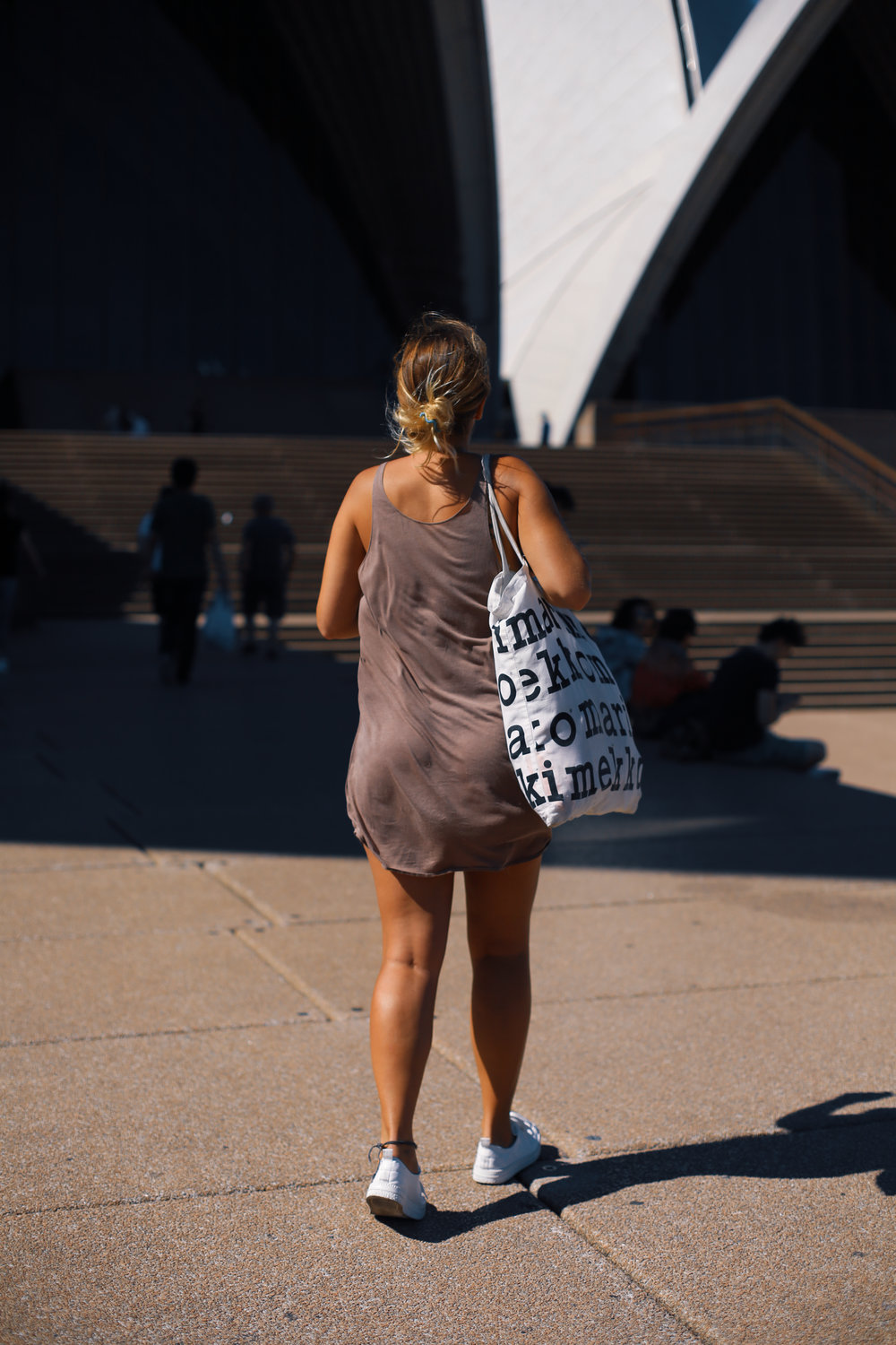 marimekko bag and tanned girl in Sydney