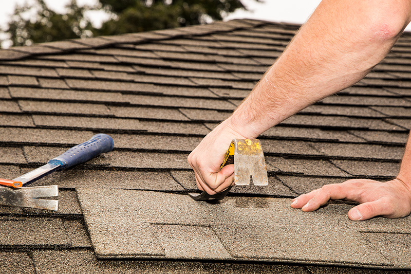 ROOFING - Our services include residential and commercial roof repairs or replacement.Integrity can quickly pinpoint the source of leaks and we will only ever recommend services to get to the root of the problem. We will never try to sell unnecessary services!