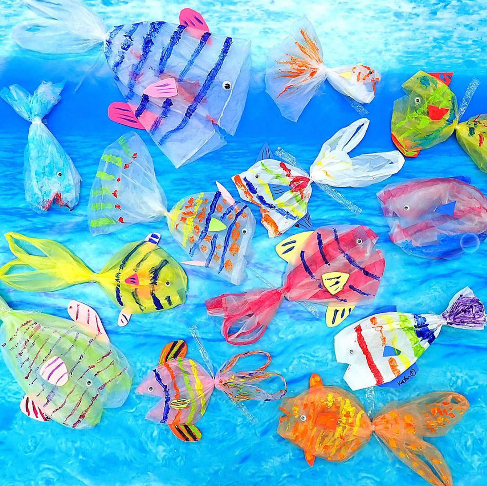 Fish using plastic bags, a project that addresses the problem of plastic bag pollution in the ocean, fourth grade.