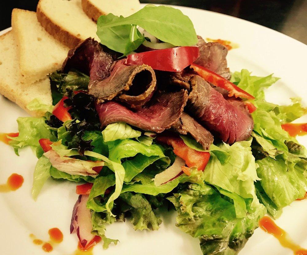 Roastbeef na salátu.jpg
