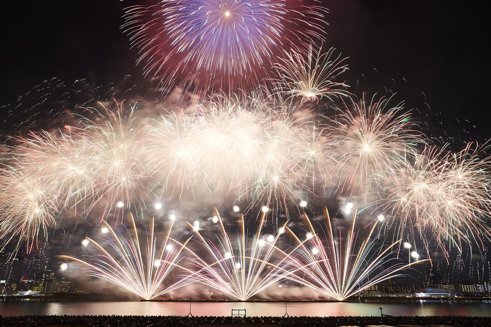 Naniwa Yodogawa Fireworks Festival