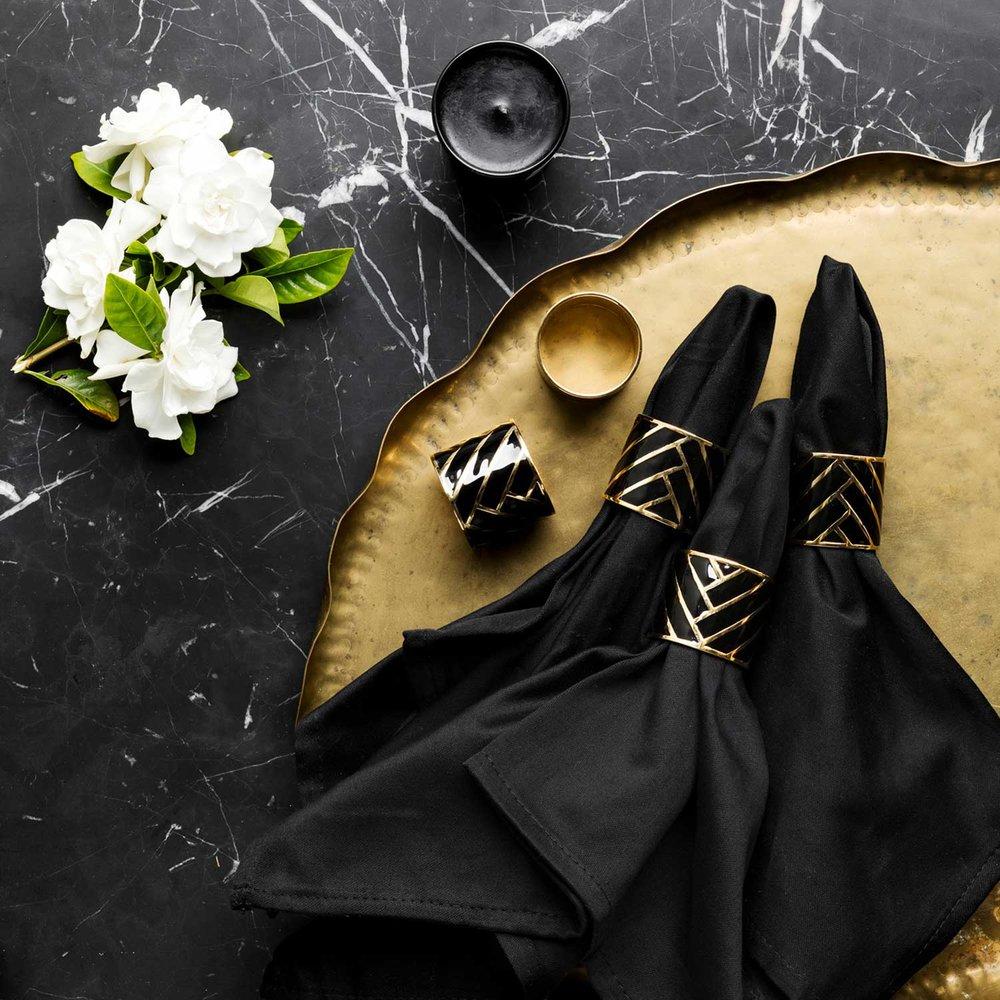 Black-Sq4.jpg