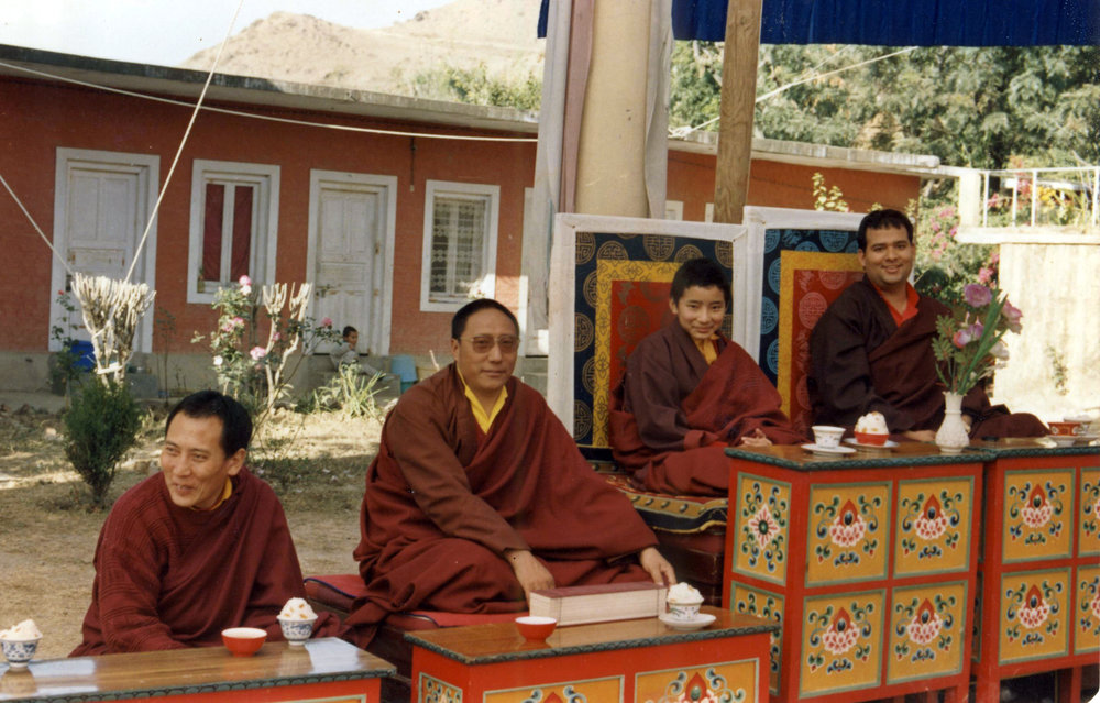 The 9th Choegon Rinpoche with the young Khamtrul Rinpoche, The 8th Drubwang Dorzong Rinpoche and Drugu Choegyal Rinpoche at Khampagar.