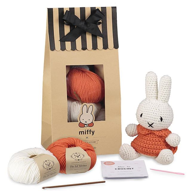 The cutest little diy crochet packs from @stitchandstory  Give the gift of knitting knowledge this Christmas.