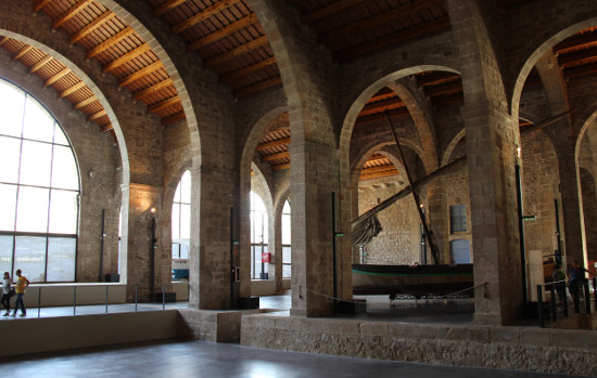 museu maritim barcelona interior.jpg