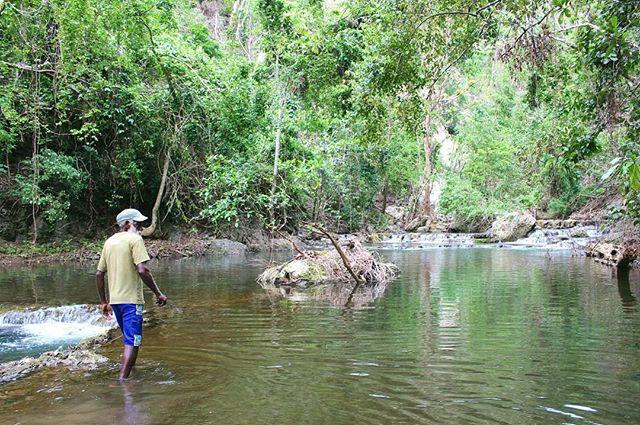 Forever grateful for the people I have met. My tour guide, known for his hunting. . . 📍Malekula, Vanuatu . . #travel #instatravel #tourism#passportready #travelblogger #wanderlust #travelling #travelblog #instago #travelpics #tourist #wanderer #travelphoto #travelingram #mytravelgram #travels #travelphotography #amazing #arountheworld #tourist #solotravel #traveler