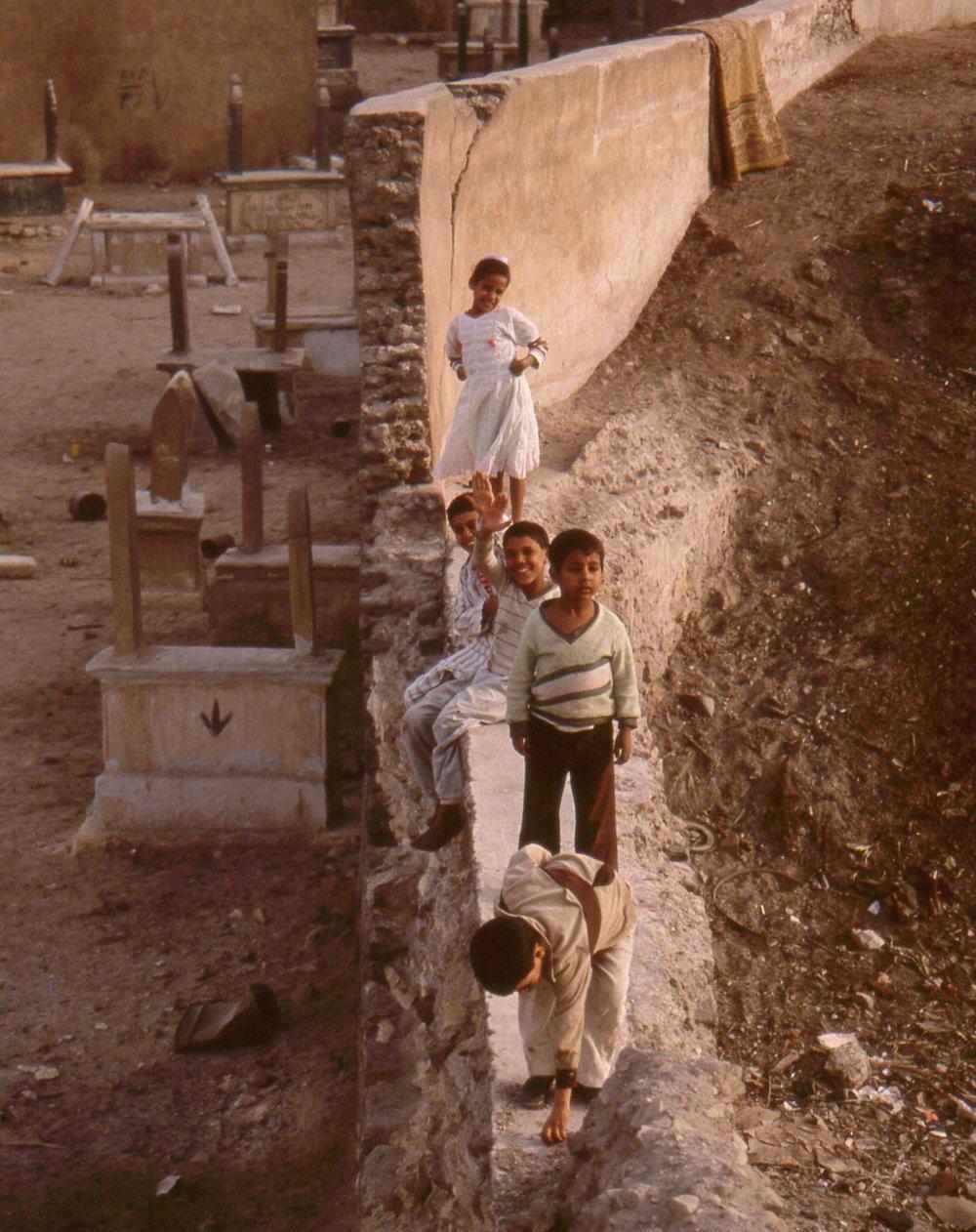 1988.Egypt.CityofDead.2.1.jpg