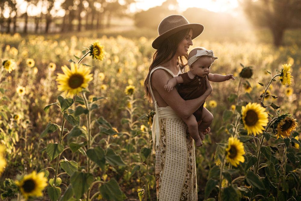 Elkie_Sunflowers2019_KHPhoto-4.JPG
