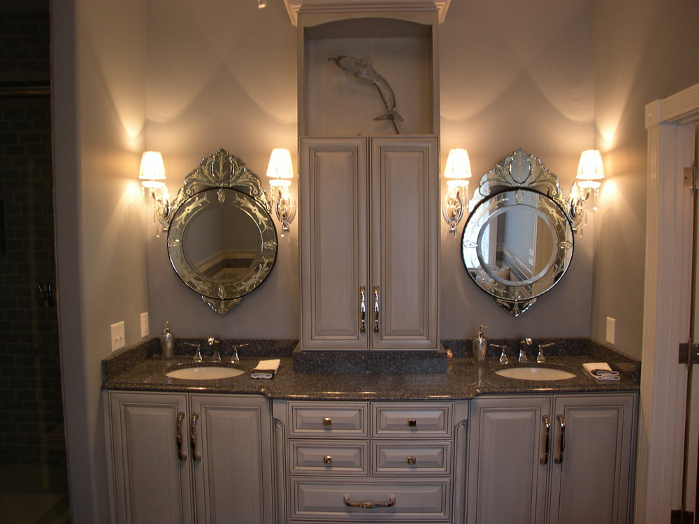 Bathroom - Whether it's a gorgeous Master Bath or a functional guest/hall bath let us show you how we can help make these rooms look and work their best for you.