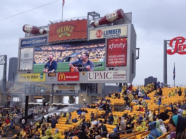 5 years ago today I played the biggest show of my life in front of 70,000 people at Heinz Field. Words can't describe the feeling in that moment, or even now looking back at these pictures. Thanks Mel for sharing #blessed #Steelers #stomp #benocturnal