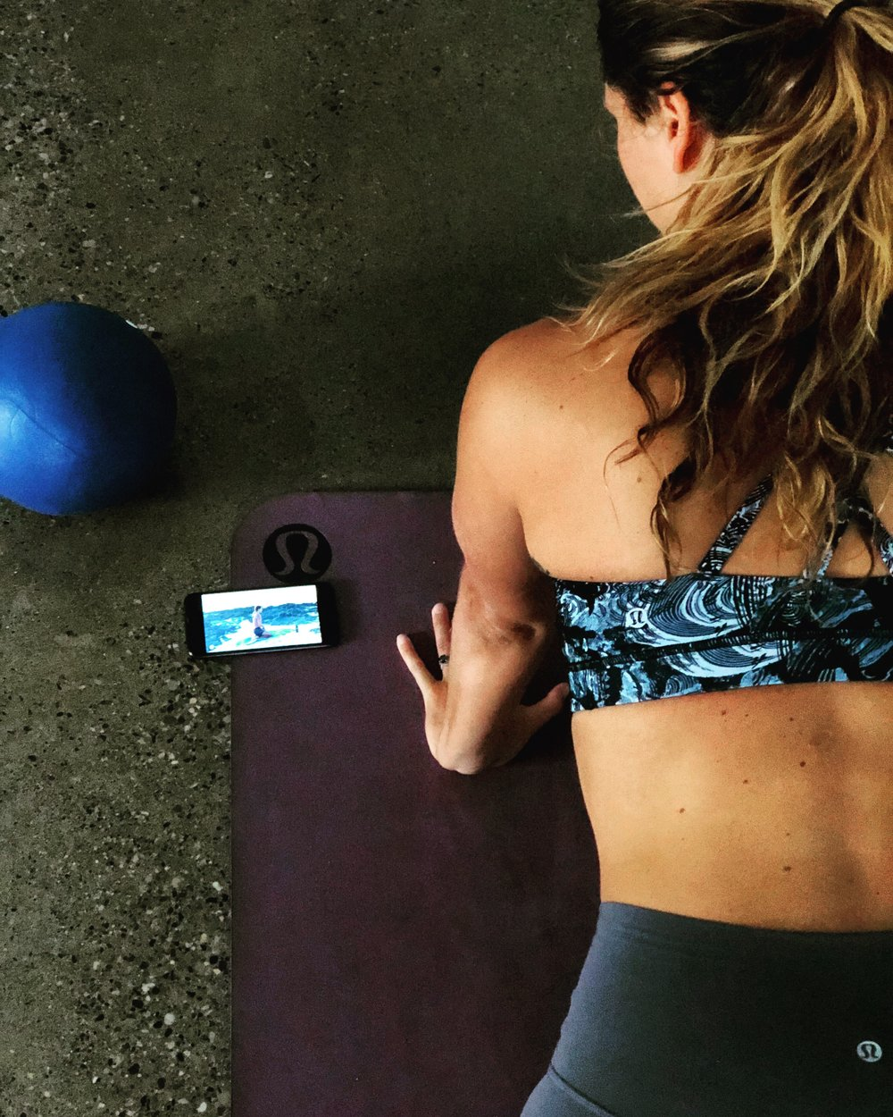CONVENIENCE - * Your schedule, your space , your practice* Body weight, resistance bands and a pilates ball is all you need to get Practicing today