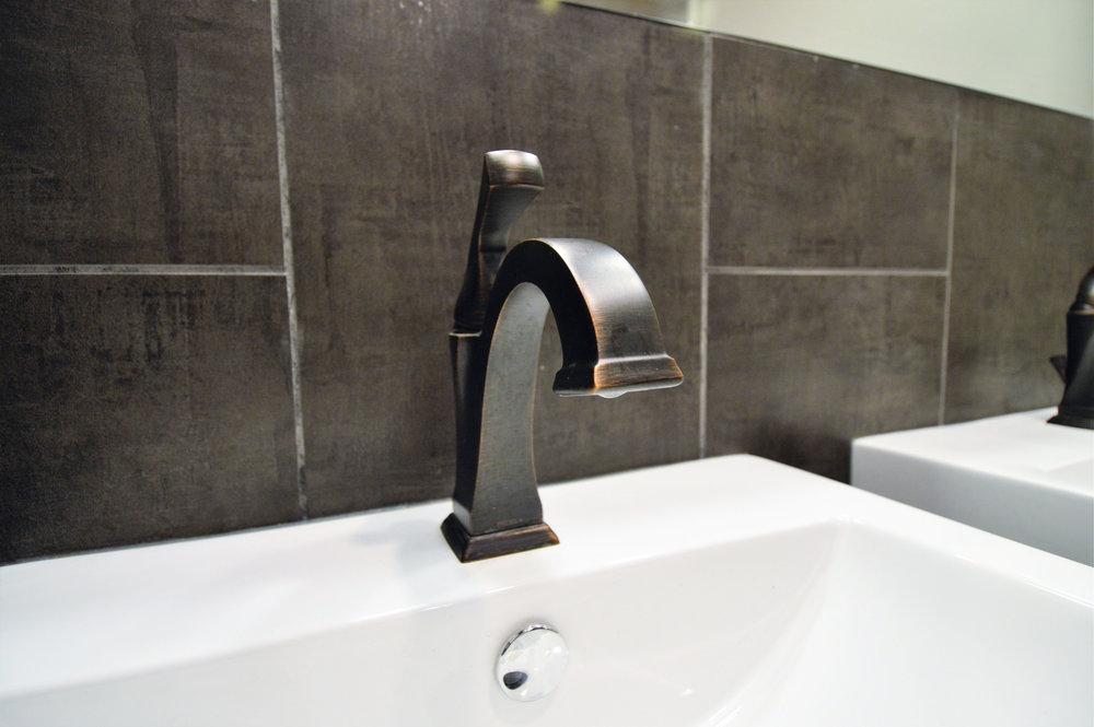 mensroom_faucet.jpg