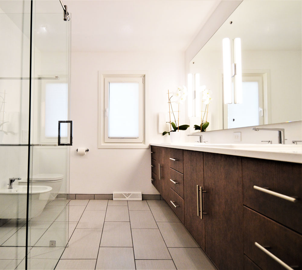 fullview_bathroom.jpg
