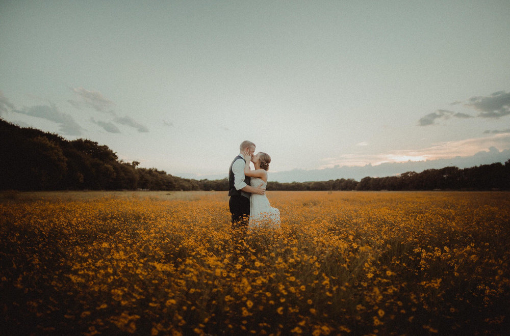 YOUR KANSAS-FOCUSED PLANNING RESOURCE - PHOTO: HALLIE SIGWING PHOTOGRAPHY