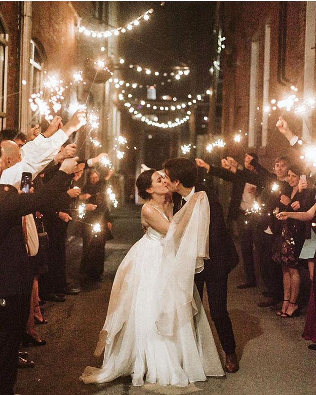 Nothing dreamier than this sparkler photo exit from @nickallenphoto in Kansas City at @thebrideandthebauer planned and coordinated perfectly by @hitchedinkc ✨✨✨ . Tag #thekansasbride to be featured here or on the TKB website!