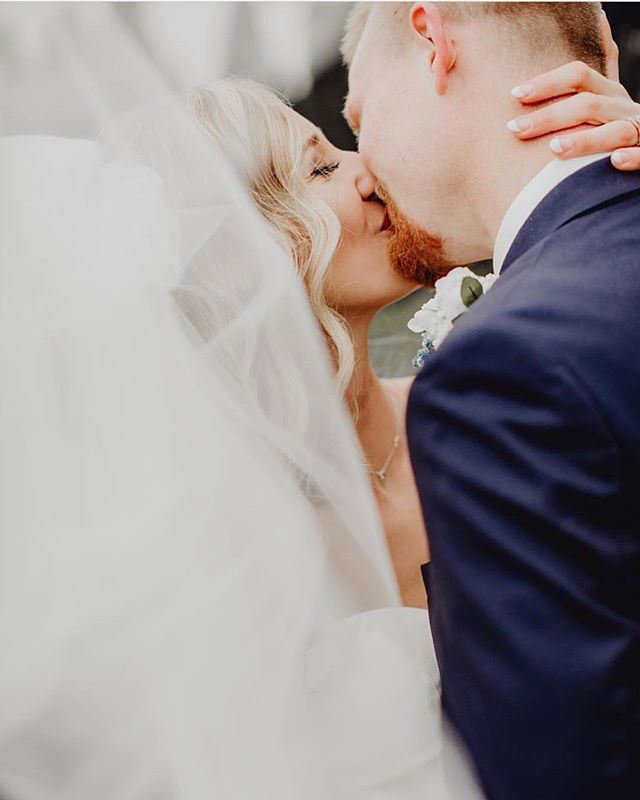 These two were married this weekend and we couldn't be more ecstatic to see an image like this across our feeds! 😍 . Photo: @brittynelizabethphotography . Tag #thekansasbride on your photos to share with us!