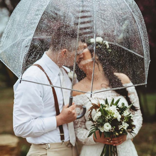 Clear umbrella or bust. ✨ Saturday's weddings were filled with rain all of the state but gorgeousness, it was. - swipe for more - tap for vendors Tag #thekansasbride to be found!