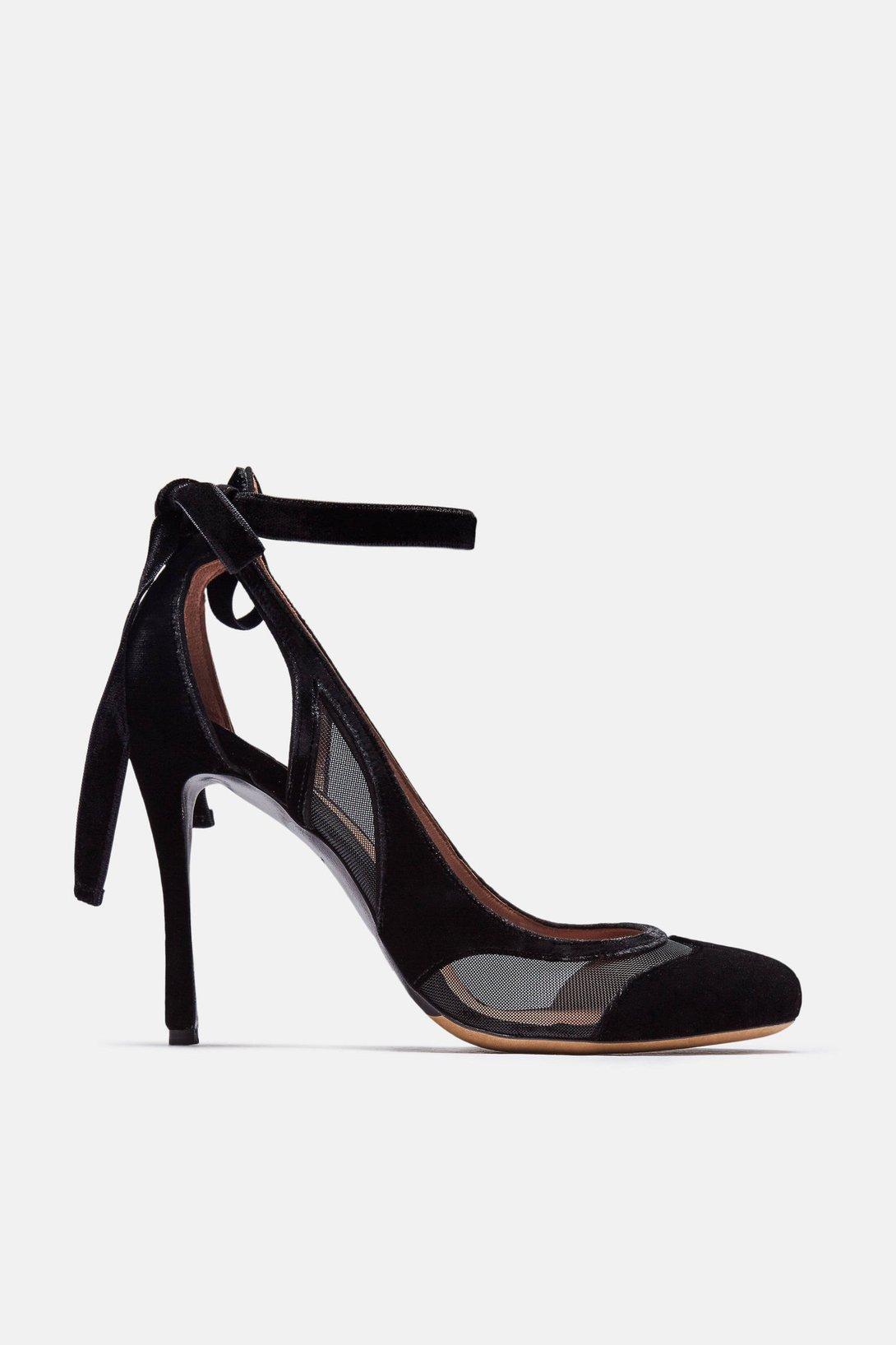 1222c889c92 full untitled-folder-3 0016 1090x.jpg. The Best of NYC Designer Sample Sale  Women s Shoes