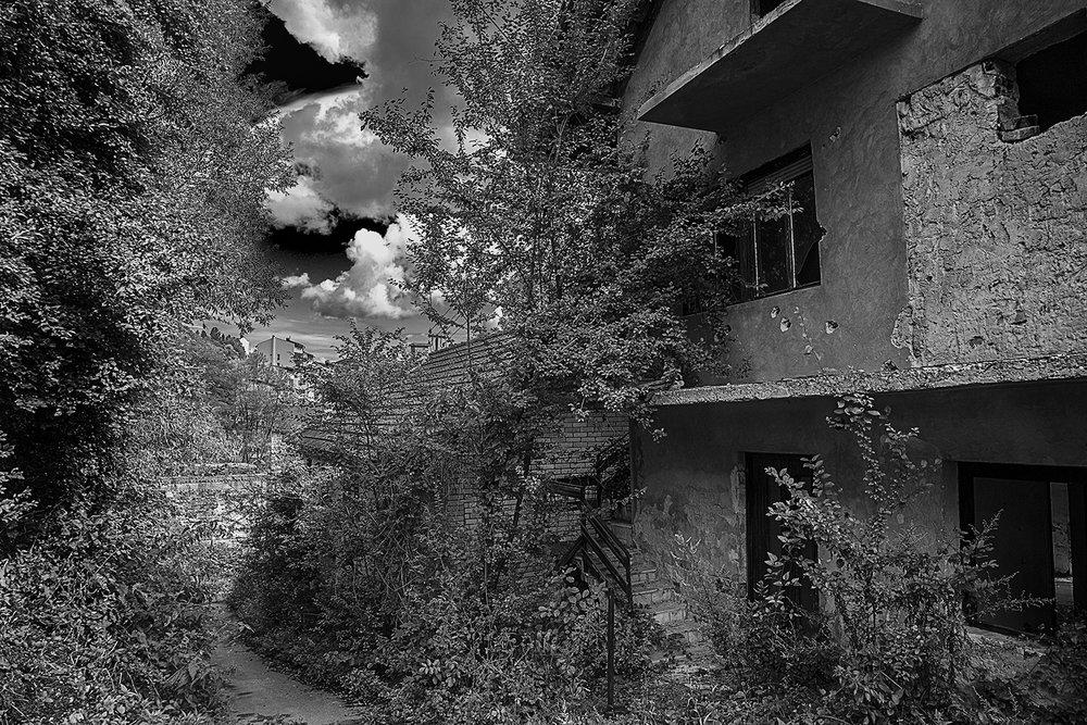 Srebrenica street mono 2  .jpg