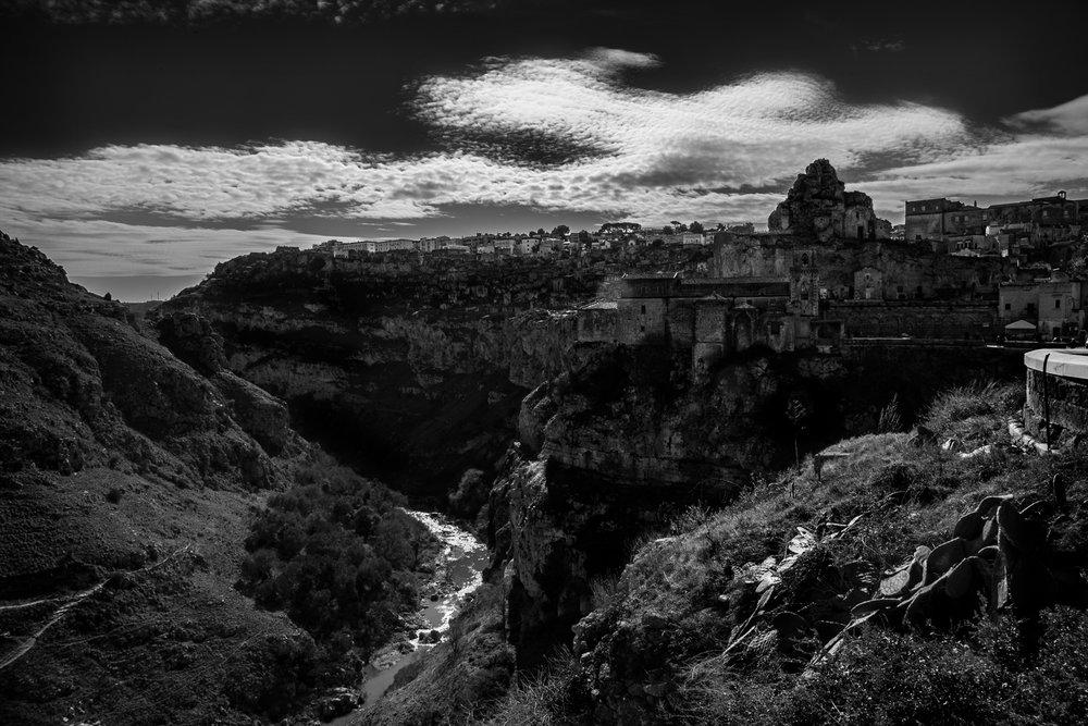 Chiese di San Piedro Caveoso above Torrente Gravina di Matera .jpg