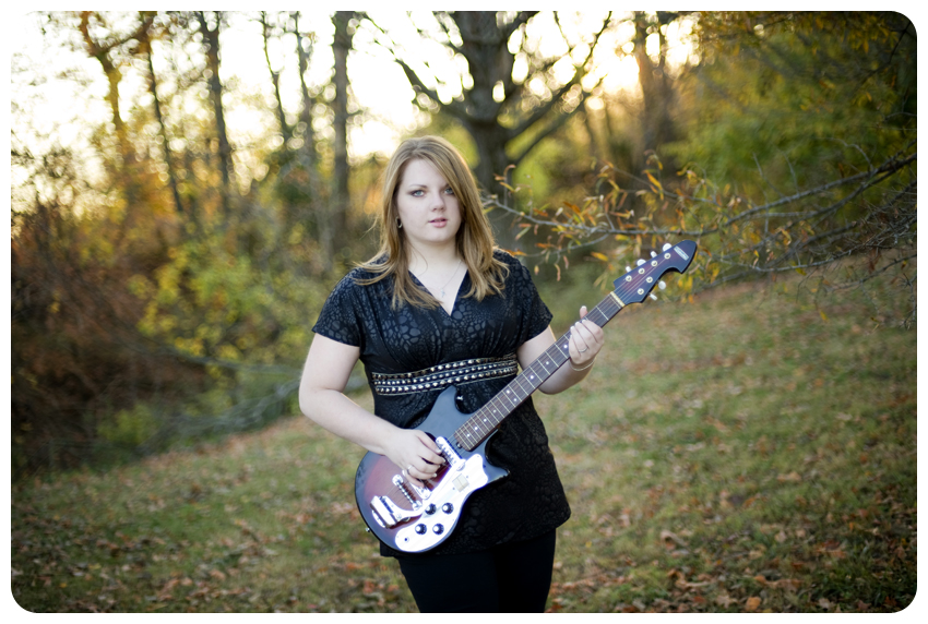 vintage guitar shelbyville senior pictures lizzie loo photography audra cronen