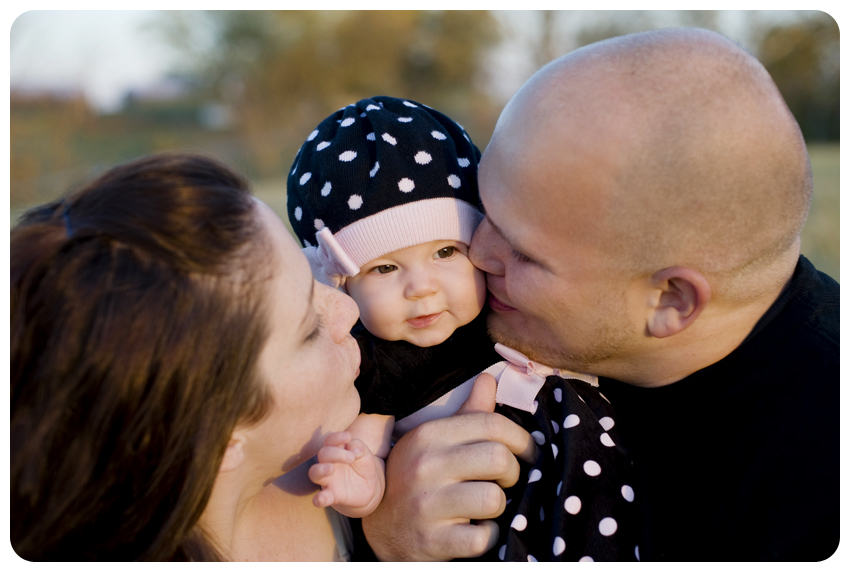fall family portrait black and pink polka dots