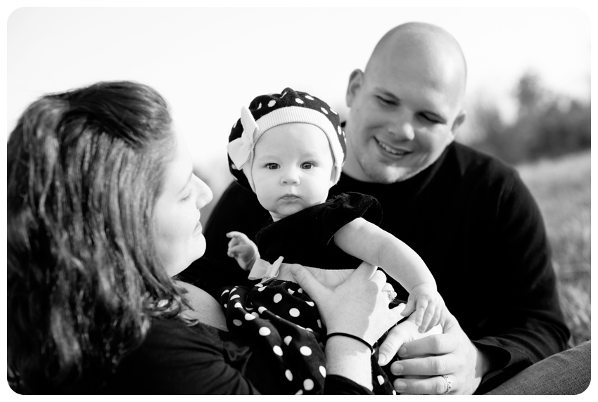 louisville children's photographer black polka dots family